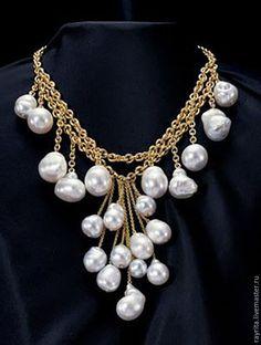 """Купить Колье из  барочного жемчуга """"Незнакомка"""" - белый, подарок, ручная работа, новогоднее украшение"""
