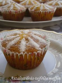 Hankka: Aszaltszilvás-tejfölös muffin Waffle Cake, Hungarian Recipes, Christmas Snacks, Muffin Recipes, Food And Drink, Yummy Food, Sweets, Dishes, Baking