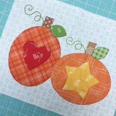"""This is the """"Pumpkins Block"""" from my Bee Happy Quilt...in a few short weeks I'll start posting introductory info and a few pre-tutorials on my blog so that we will """"Bee Prepared"""" when the Bee Happy Sew Along starts on August 28th. I got word yesterday that the Sew Simple Shapes will be arriving at the warehouse this week...Yippee!!! ✂️#beeinmybonnet #beehappysewalong #sewsimpleshapes #appliquemadeeasy #applique #beebasics #beebackgrounds #beebackingsandborders #rileyblakedesigns #il"""