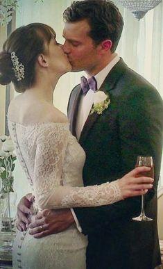 Wedding Kiss 50 Shades Trilogy, Fifty Shades Series, Fifty Shades Movie, 50 Shades Freed, Fifty Shades Darker, Jamie Dornan, Dakota Johnson Movies, Shades Of Grey Movie, Wedding Couple Poses Photography