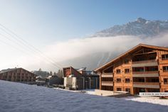 MGM Le Cristal de Jade, Chamonix France is right in the heart of Chamonix with a wellness center and private swimming pool. Jacuzzi, Ski Resorts France, Top Ski, Chamonix Mont Blanc, Lit Simple, Most Luxurious Hotels, Ski Vacation, Best Spa, Swimming Pools