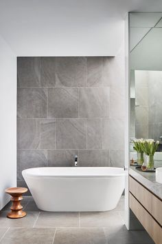 Kew townhouse by Coy Yiontis Modern Apartment Bathroom Bad Inspiration, Bathroom Inspiration, Family Bathroom, Small Bathroom, Bathroom Ideas, Master Bathroom, Bathroom Showers, Budget Bathroom, Basement Bathroom