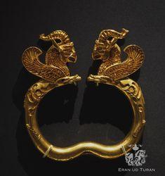Achaemenid objects in the British Museum White Lotus Flower, Achaemenid, Cross Hatching, Iranian Art, Anglo Saxon, Ancient Jewelry, British Museum, Floral Motif