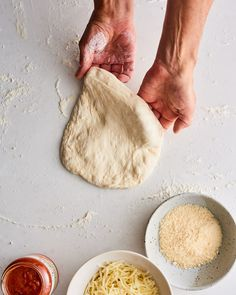 Alton Brown loves this pizza dough recipe so much, he made it every stop of his Alton Brown Live tour cities over the course of 2 years)! In fact, the dough Pizza Dough Recipe Alton, Alton Brown Pizza Dough, Costco Appetizers, Pizza Recipes, Cooking Recipes, Wing Recipes, Oven Recipes, Bread Recipes, Joe's Pizza