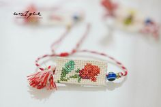 Textiles, Macrame, My Favorite Things, Handmade Jewelry, Funny Food, Fancy, Christmas Ornaments, Holiday Decor, Projects
