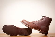 Red-Wing-Heritage-Boots-Cap-Toe-Iron-Ranger-6-034-8111-Amber-Leather-Brown
