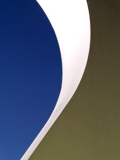 An ounce of practice is worth more than tons of preaching. Open Architecture, Architecture Details, Post Painterly Abstraction, Santiago Calatrava, Abstract Logo, Simple House, Interior And Exterior, Minimalism, House Design