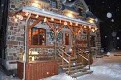 Extérieur Cabin, House Styles, Home Decor, Cabins, Cottage, Home Interior Design, Wooden Houses, Decoration Home, Home Decoration