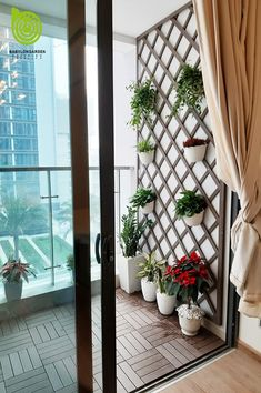 Small Balcony Design, Small Balcony Garden, Small Balcony Decor, Rooftop Garden, Apartment Balcony Garden, Apartment Balcony Decorating, Apartment Balconies, Terrazas Chill Out, House Plants Decor