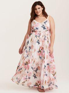 Plus Size Runway Collection - Ivory Floral Crochet Maxi Dress (Short Inseam Now Available), Plus Size Sundress, Plus Size Maxi Dresses, Short Dresses, Halter Dresses, Dressy Dresses, Linen Dresses, Outfits Plus Size, Trendy Plus Size Clothing, Elegant Clothing