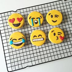 OMG! Emjio cookies! Need! So cute!
