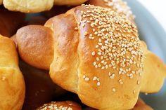 Mini croissants Mini Croissants, Hamburger, Bread, Cooking, Food, Kitchen, Eten, Hamburgers, Bakeries