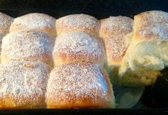 Kokosmelk broodjes Pastry Recipes, Sweets Recipes, Desserts, Homemade Dinner Rolls, Good Food, Yummy Food, Sandwiches, Ramadan Recipes, Ramadan Food