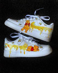 No money no honey version. Dr Shoes, Cute Nike Shoes, Swag Shoes, Cute Nikes, Cute Sneakers, Nike Air Shoes, Hype Shoes, Jordan Shoes Girls, Girls Shoes