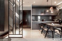 Glass Partition Wall, Living Room Partition Design, Room Partition Designs, Hallway Designs, Luxury Interior, Modern Interior, Interior Design, Jaali Design, Door Dividers