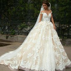 Wedding Dress - Ball Gown