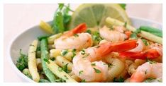 A light and refreshing salad featuring string beans, shrimp, tomatoes and onions tossed in a red vinaigrette dressing. Shrimp Linguine, Shrimp Salad, Pasta Salad, Seafood Pasta, Fresh Seafood, Cucumber Salad, Fresco, Salad Recipes, Healthy Recipes