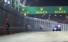 Britânico que invadiu pista durante o GP de Cingapura foi condenado a seis semanas de prisão (foto: ANSA)