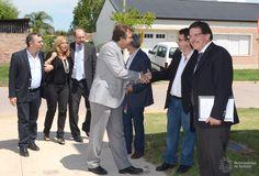 Estuvieron presentes el Ministro de Educación de la Nación Alberto Sileoni, el Diputado Omar Perotti y el Intendente de nuestra ciudad Luis Castellano.