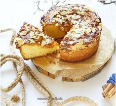 Karamel soslu Elmalı Pastam bugün sizlerle yine doğaçlama bir tarif muhteşem bir lezzet çıktı ortaya..