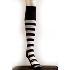 Socks Fitness Style, Fitness Fashion, Socks, Products, Fitness Wear, Ankle Socks, Beauty Products, Sock, Stockings