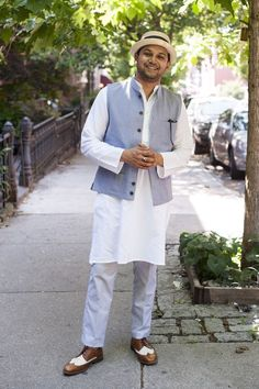 mens traditional indian wear, mens casual wear, kurta pajyama, nehru jacket, indian fashion, street style #India #StreetStyle #outfitidea #fashionable #indian #streetstyle #fridaydressing #street #style #mensfashion #outfitinspiration
