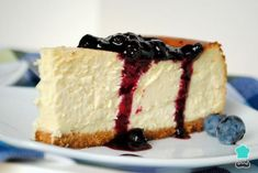Receta de Tarta de queso americana Learn to prepare American cheesecake with this rich and easy recipe. The American cheese cake is a very famous dessert, in fact we can get it and taste it anywhere … Cheesecake Bites, Blueberry Cheesecake, Chocolate Cheesecake, Pumpkin Cheesecake, Homemade Cheesecake, Blueberry Sauce, American Cheesecake, New York Style Cheesecake, Classic Cheesecake