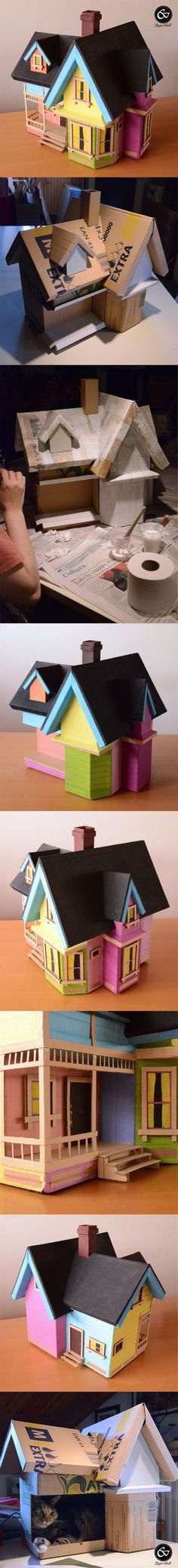 Up House from recycled cardboard boxes, even my cat wants it for itself! Just create the structure with cardboard, add some glue and toilet paper, add the colors, add all the details and voilà... a fantastic Up house!: