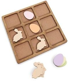 Easter Tic-Tac-Toe Game - perfect for the kids! Easter Toys, Easter Bunny, Easter Symbols, Tic Tac Toe Game, Easter Traditions, Game Pieces, Preschool Activities, Nursery Decor, Paste