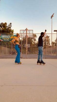 Disco Roller Skating, Roller Derby Skates, Retro Roller Skates, Roller Skate Shoes, Quad Skates, Roller Rink, Roller Skating Pictures, Rolling Skate, Skate Gif