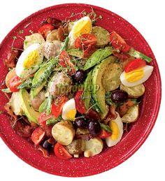 Salade de patates aux oeufs et à l'avocat