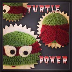 Teenage Mutant Ninja Turtle Crochet Hat Liz would love this Crochet Funny Hat, Crochet Kids Hats, Crochet Cap, Crocheted Hats, Cute Crochet, Crochet Crafts, Crochet Ideas, Crochet Projects, Crochet Patterns