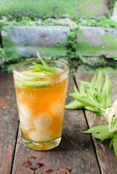 Fruit Infused Peach Green iced Tea