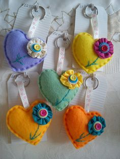 Heart & Flower Keyring / Bag Charm by DaisyFelts on Etsy, Angel Crafts, Bunny Crafts, Felt Keyring, Keychains, Felt Owls, Felt Fairy, Small Sewing Projects, Felt Patterns, Craft Activities For Kids