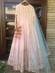 Beautiful Gown with Hand Embroidery embellishments Indian Dress Up, Indian Gowns Dresses, Indian Fashion Dresses, Indian Designer Outfits, Indian Attire, Pakistani Dresses, Indian Outfits, Designer Dresses, Indian Wear