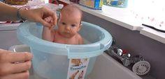 Tummytub, une baignoire physiologique qui ressemble un peu à un seau et dans laquelle le nouveau-né se sent rassuré et en sécurité...