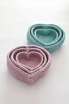 Trio of Heart Nesting Baskets pattern by Stephanie Davies