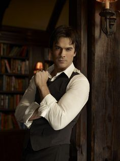 The Vampire Diaries. Thursday nights, on The CW. Pictured: Ian Somerhalder as Damon Salvatore. (Photo Credit: Art Streiber / The CW © 2010 The CW Network, LLC. All Rights Reserved. Vampire Diaries Season 2, Serie The Vampire Diaries, Vampire Diaries The Originals, Damon Salvatore, The Cw, Sean Leonard, Ian Somerhalder Vampire Diaries, Vampire Dairies, Mystic Falls