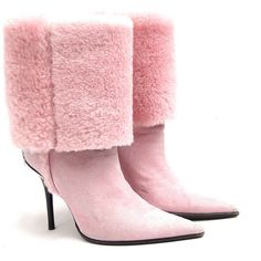 Cesare Paciotti sheepskin heel pink boots size 40 ($126) ❤ liked on Polyvore featuring shoes, boots, sheeps boots, cesare paciotti, sheep shoes, sheepskin shoes and sheepskin footwear