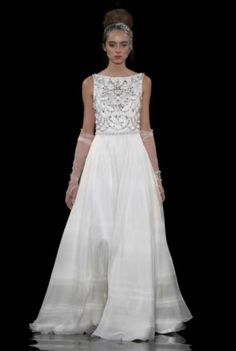 Ask the Expert: Della Giovanna on Wedding Gown Necklines
