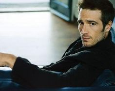 Michael Vartan. He's fluent in French, y'all.  Call me old-fashioned but that still counts for something in my book.  :)