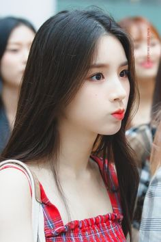 Photo album containing 16 pictures of HeeJin Kpop Girl Groups, Korean Girl Groups, Kpop Girls, Extended Play, Sooyoung, Tumblr Kpop, Olivia Hye, Fandom, K Idol