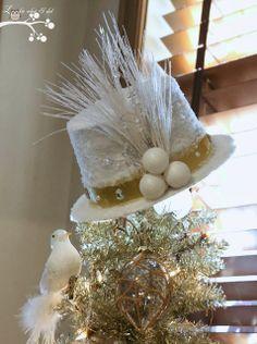 """A """"Frosty"""" Hat Tree Topper - DIY.."""