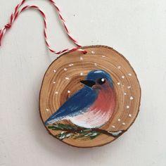 Bluebird à la main peint Noël ornement - ornement tranche de bois - décoration de Noël