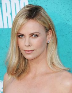 Charlize Theron Oscars, Atomic Blonde, Best Actress, Actors, Female, Actresses, Hair, Blonde Highlights, Roots