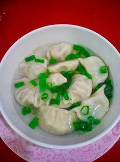 Pangsit kuah(isi ayam& daun bawang) Easy Cooking, Cooking Recipes, Malaysian Food, Indonesian Food, Food Hacks, I Foods, Asian Recipes, Food Inspiration, Love Food