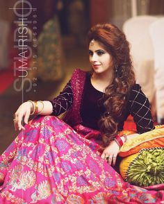 Pretty Pinky....#signature #umairishtiaq #shoot #bridalshoot #umairish #studioumairish #weddings #instaphoto #instagram  ##outdoorshoots #pakistaniweddings # #outdoorshoot #bridaldresses #Lahore #Islamabad #abbottabad