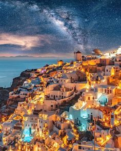 Santorini, Dubai, or Paris The place would you journey to first? 😍 Photograph by Santorini Santorini, Dubai, or Paris Where would you travel to first? 😍 Photo by Popular Honeymoon Destinations, Travel Destinations, Beautiful Places To Travel, Wonderful Places, Romantic Travel, Romantic Vacations, Vacation Places, Dream Vacations, Vacation Travel