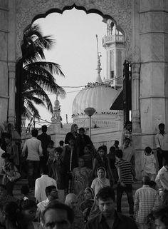 Haji Ali Dargah - The Entrance by Arun Shah Masood, via Flickr