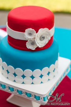Retro Red  Turquoise wedding cake from Candle Ready Cakes - Photo by Mentz Photography